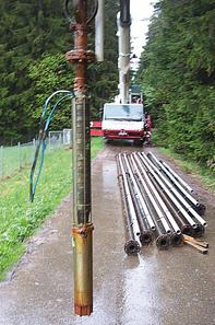 Bild ausgebaute Pumpe Tiefbrunnen Schönbronn