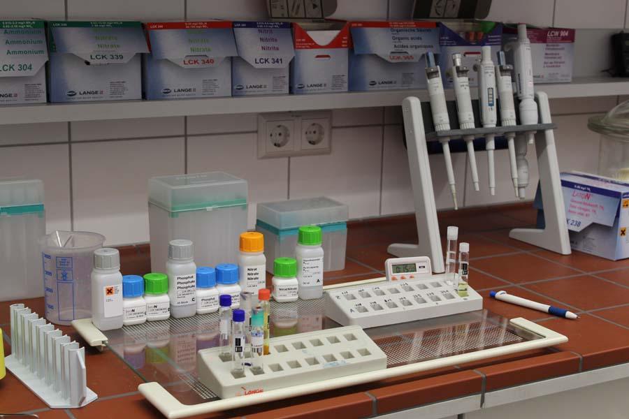 Labor in der Kläranlage Schramberg