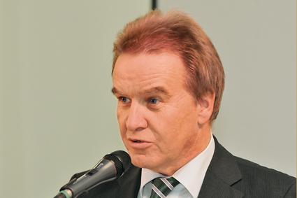 Bild Minister Franz Untersteller