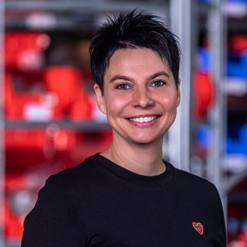 Mitarbeiterfoto von Frau Fehrenbacher